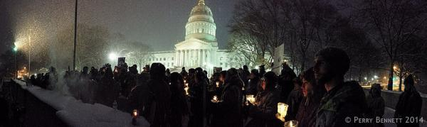 Candle lit vigil at the Capitol 1/21/14