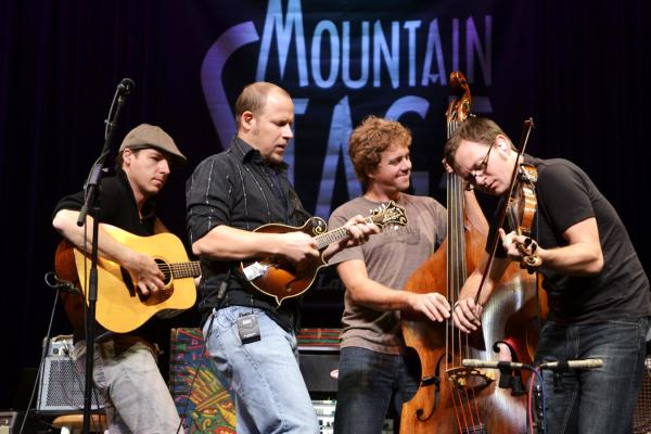 The Infamous Stringdusters made their Mountain Stage debut during this November 2010 show.