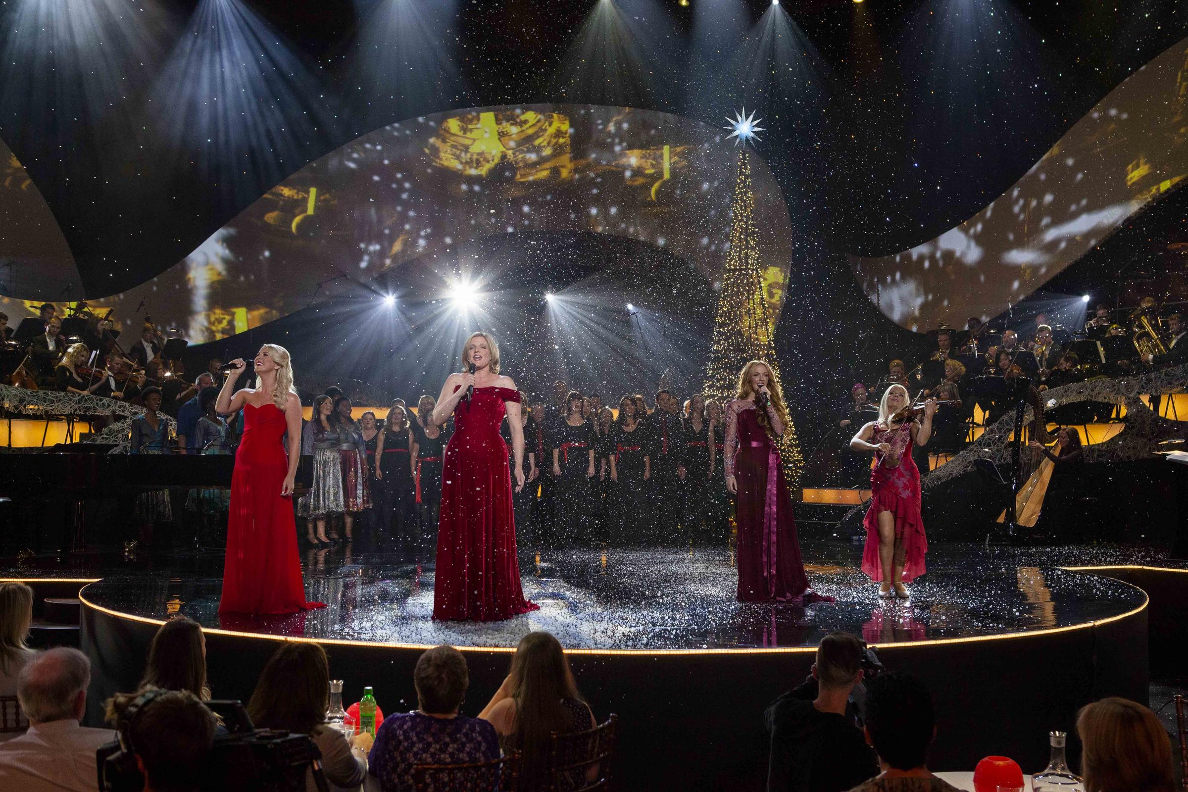 celtic woman home for christmas features l r susan mcfadden mav ni mhaolchatha lisa lambe - Celtic Woman Home For Christmas