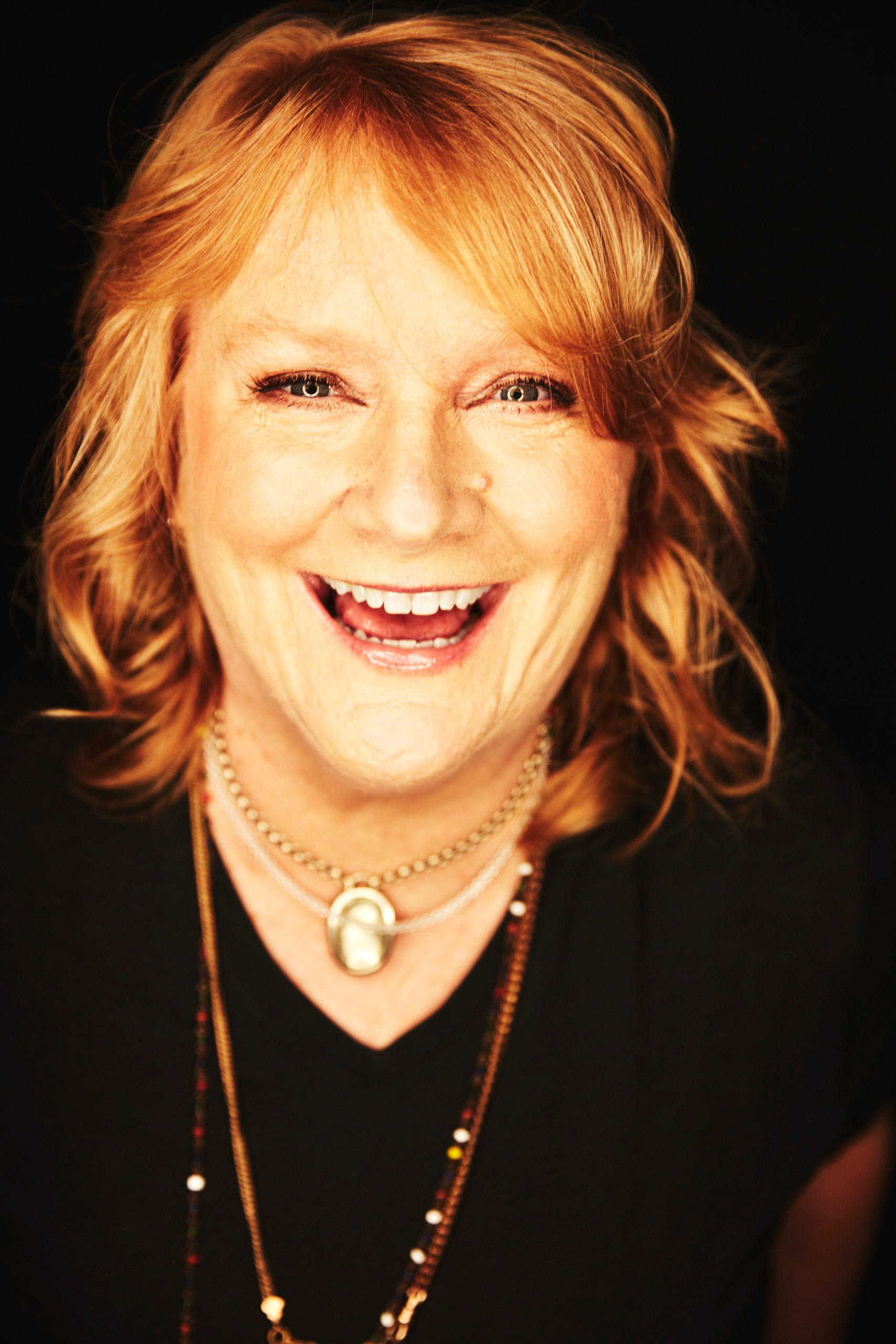 live show news emily saliers of indigo girls to appear on mountain stage oct 22 on sale now. Black Bedroom Furniture Sets. Home Design Ideas