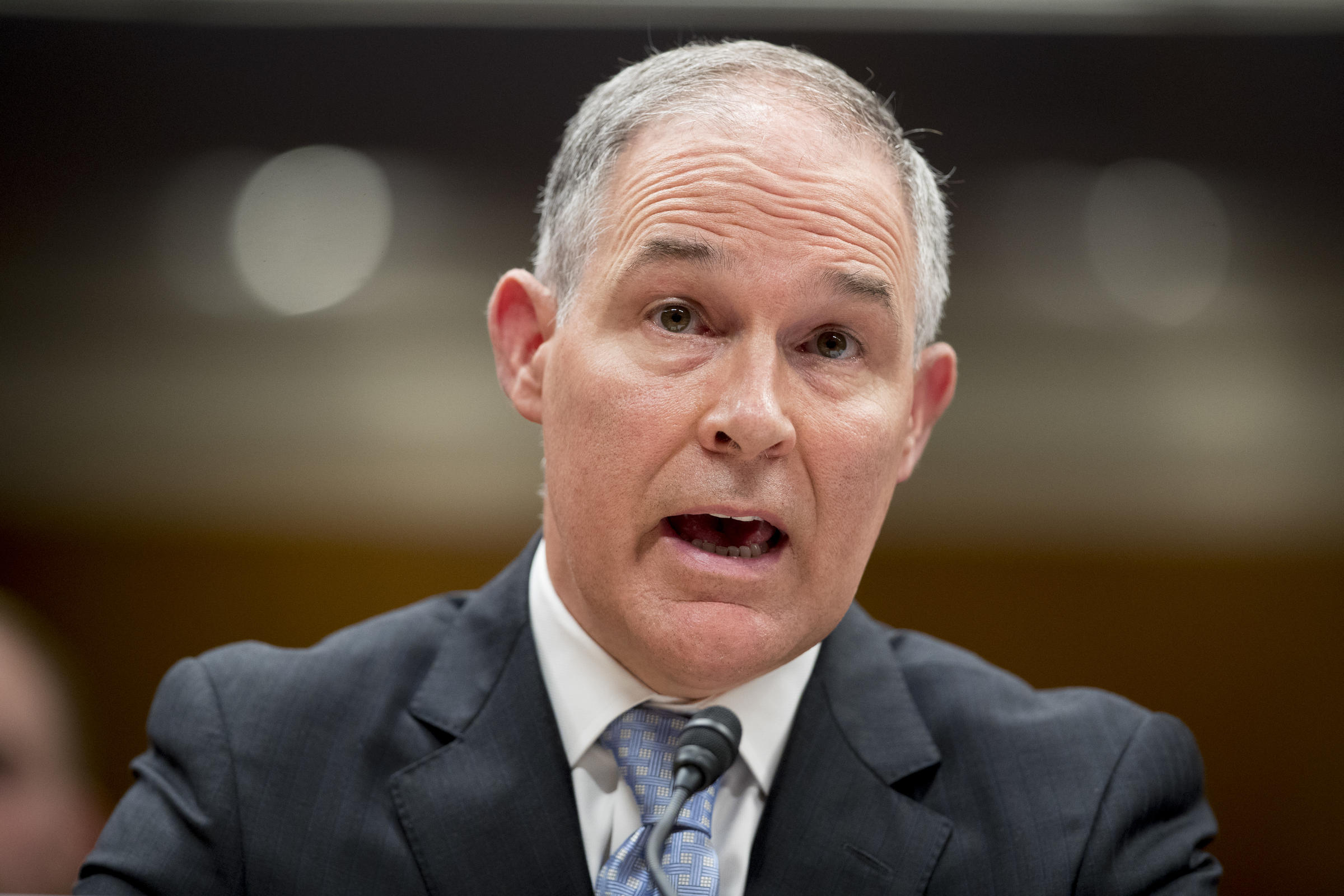 Pruitt grilled over reported use of sirens to beat DC traffic
