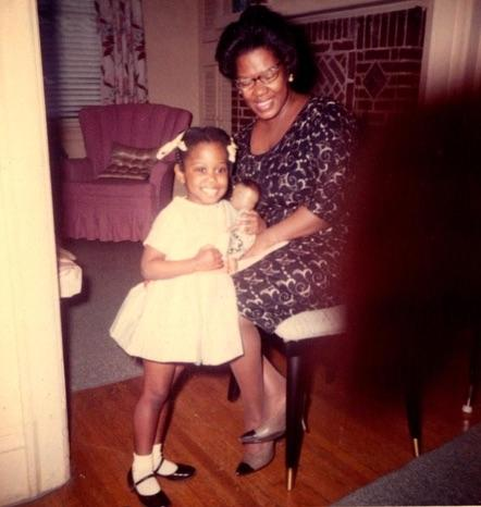 Lori Hunter and her mother Dorothy Hunter, 1964 | Photo courtesy Lori Hunter
