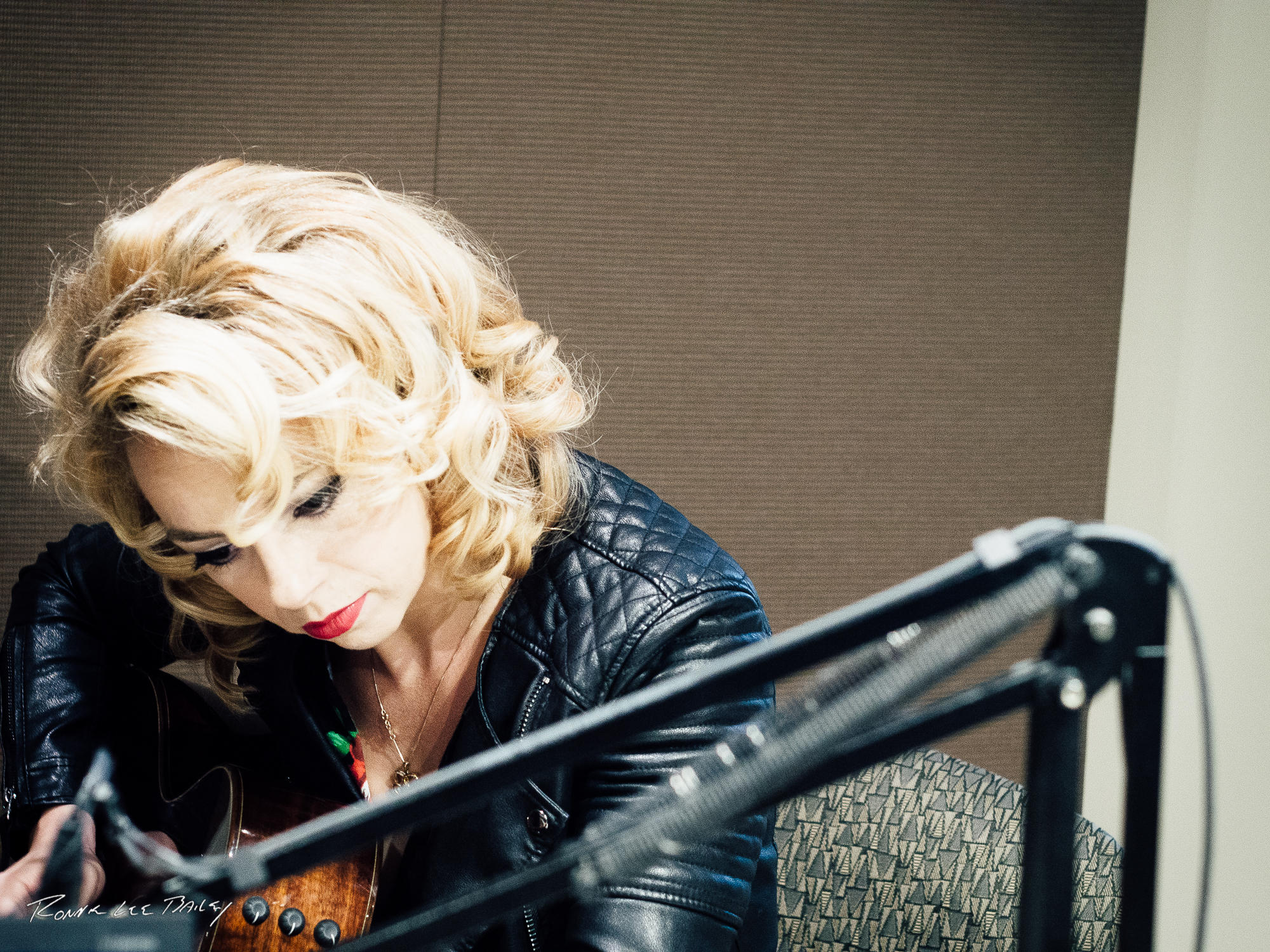 Samantha fish wvtf for Samantha fish chills and fever