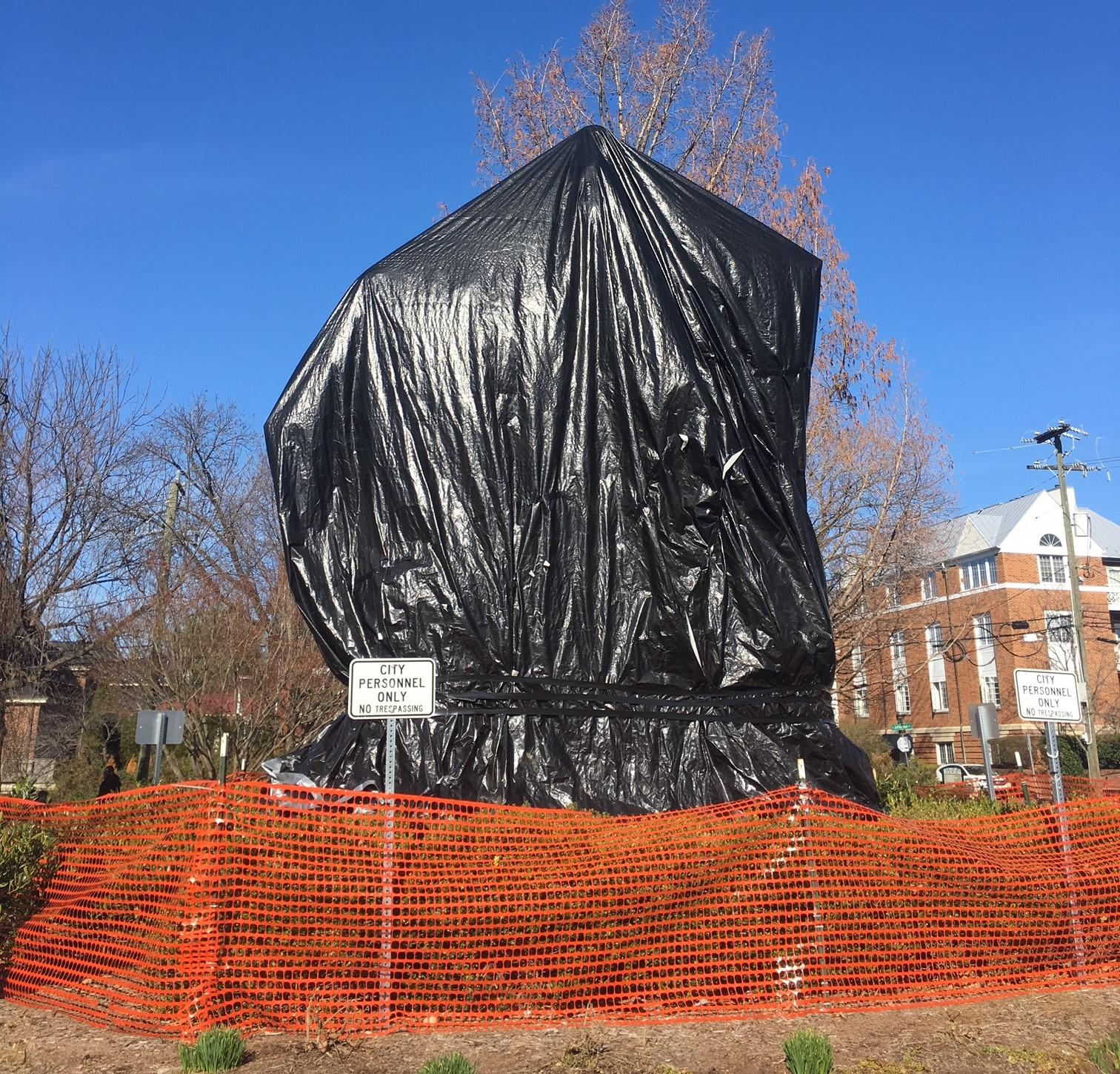 Charlottesville judge says tarps must be removed from Confederate statues
