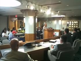 Radio host Lincoln Ware addresses Hamilton County Commissioners about Judge Tracie Hunter.