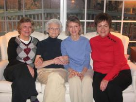 Susan Brogden (in blue shirt) and her sisters have no regrets that their mother, Betty Young, chose not to have aggressive care when she was diagnosed with cancer at age 85.