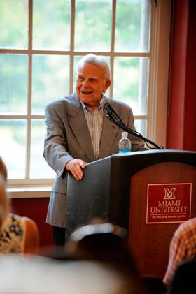John Dolibois speaks to a crowd at Miami University.
