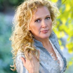 Singer Jackie Allen