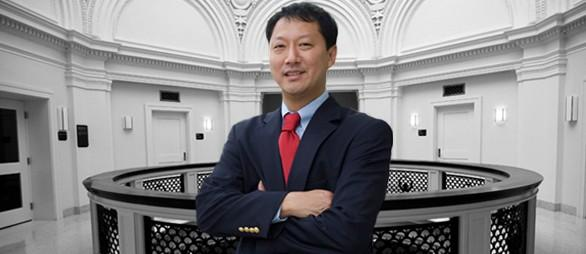 Santa Jeremy Ono, PhD is acting president. He was appointed Senior Vice President for Academic Affairs and University Provost at the University of Cincinnati on September 1, 2010