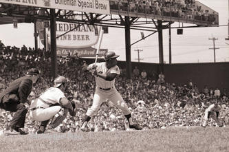 Hank Aaron of the Atlanta Braves bats against the Cincinnati Reds at Crosley Field on May 15, 1970.