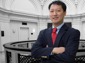 Santa Ono becomes UC's 28th president.