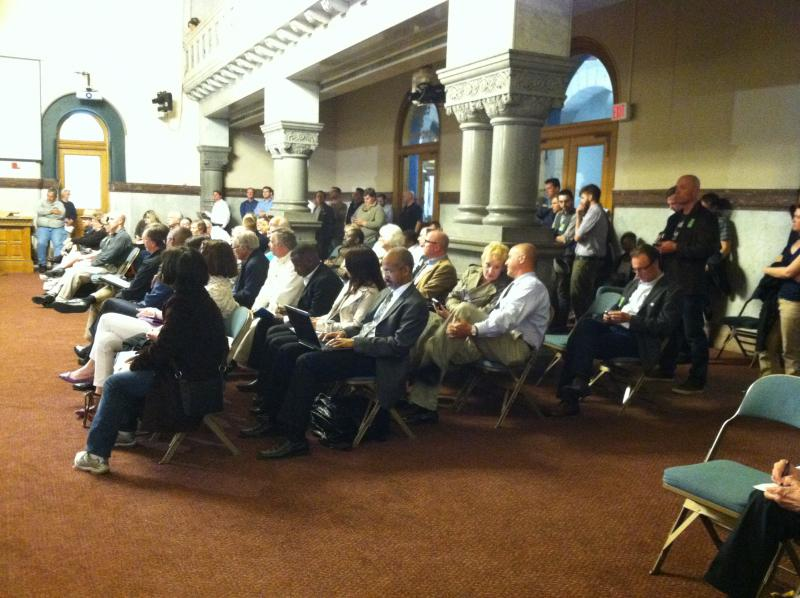 Crowd at Cincinnati City Hall Monday night for streetcar public hearing.