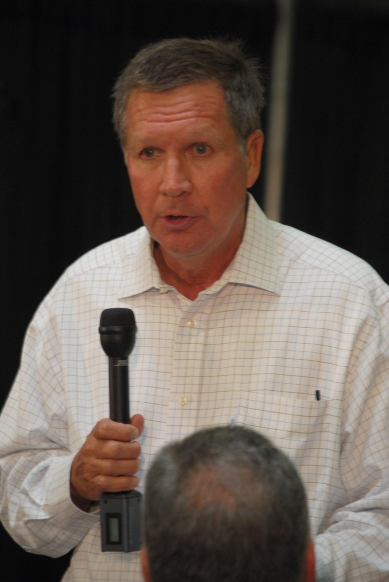 "Governor Kasich encouraged Cincinnati area Chamber members to ""market Ohio"" as a desirable location for business."