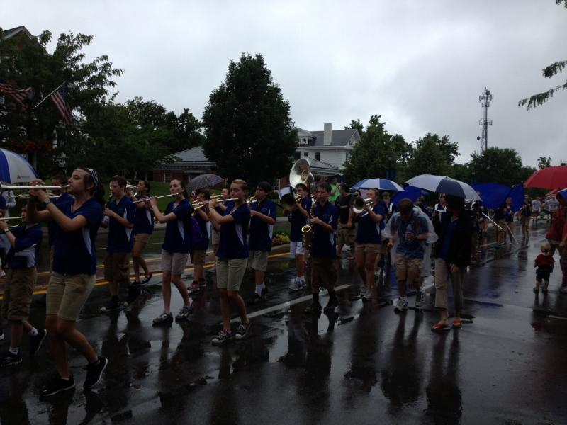The Highlands Marching Band plays on in the rain