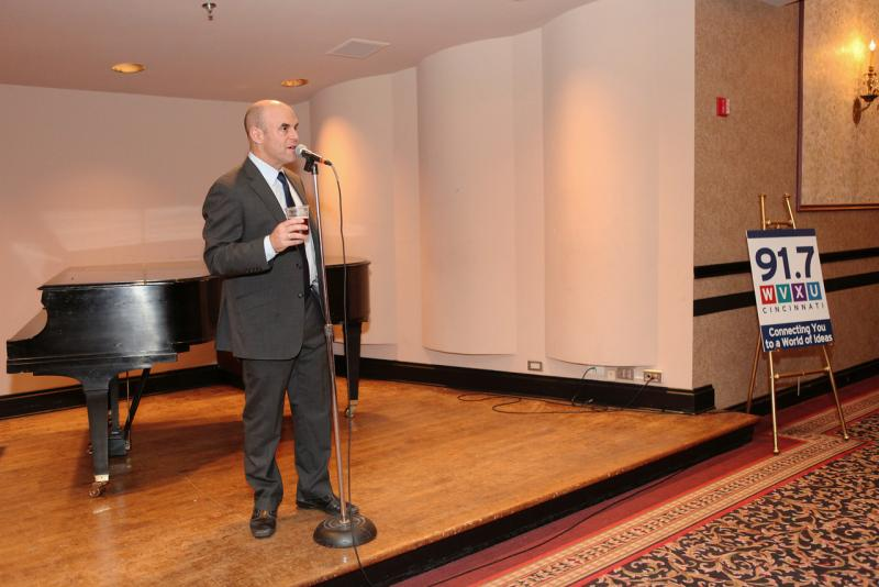 Peter Sagal makes a few comments to the guests at the VIP reception