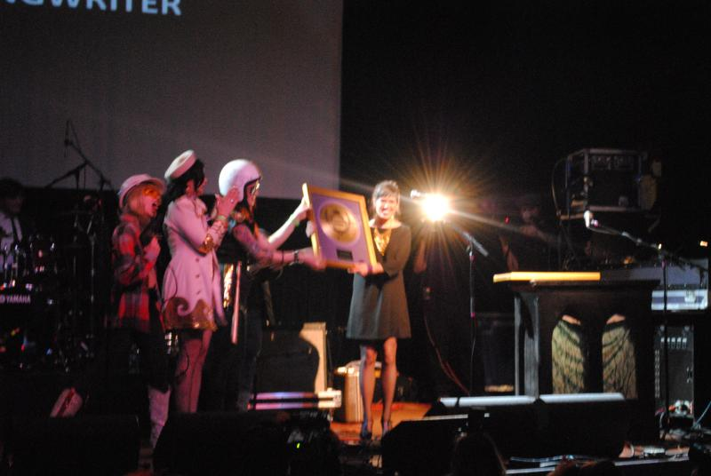 Molly Sullivan receives her CEA for Best Singer-Songwriter