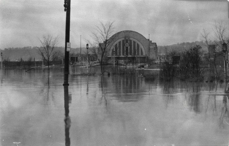 Union Terminal during the height of the flood