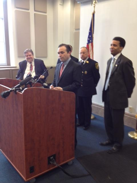 (l. to r.) Council member Kevin Flynn, Mayor John Cranley, Fire Chief Richard Braun, council member Christopher Smitherman