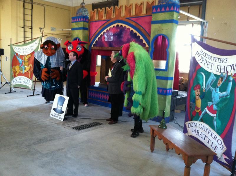CIncinnati Mayor John Cranley announcing $500,000 for Madcap Puppets' new location in Westwood.