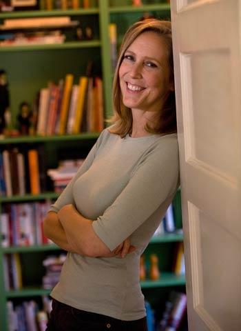 Author Mary Roach.