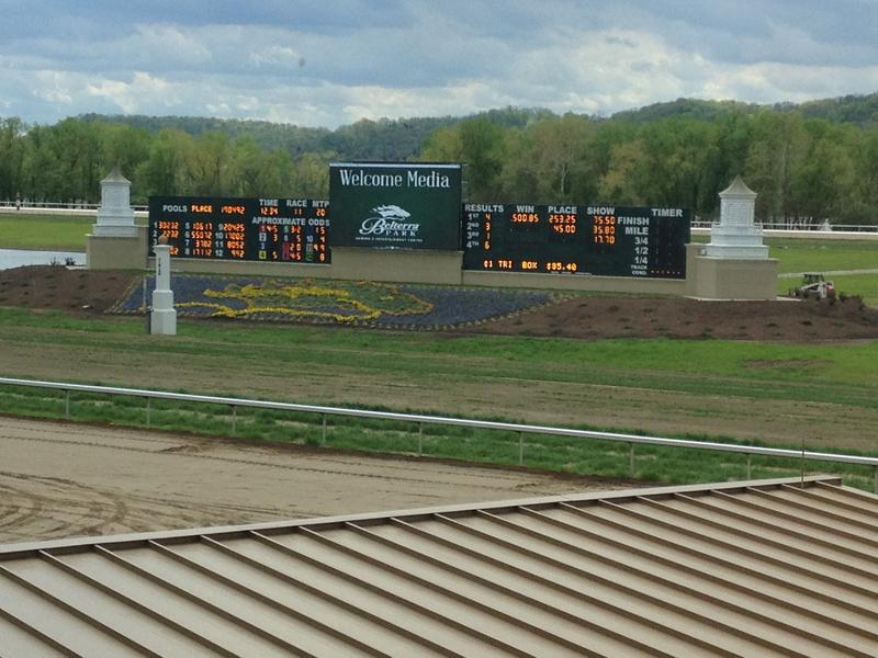 Belterra Park has a dirt track and will Ohio's only turf track in 2015.