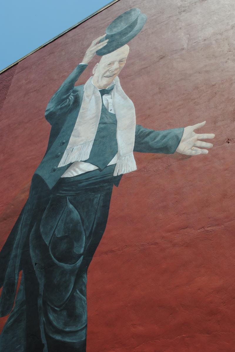Mr. Tarbell Tips His Hat, ArtWorks mural by Tim Parsley at 1109 Vine St.