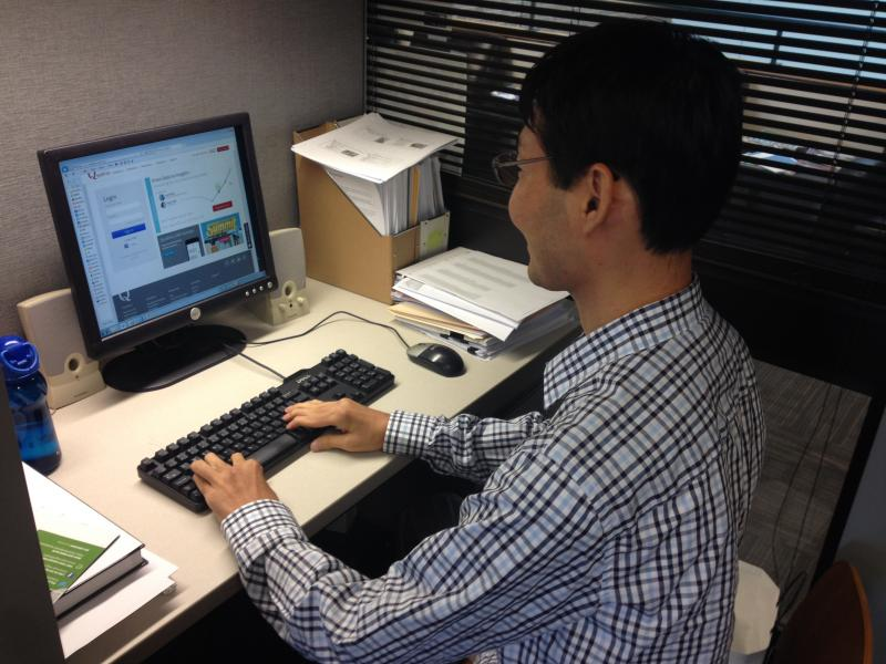 UC researcher Sung Doo Kim did a study on how web-surfing affects workers and their bosses.