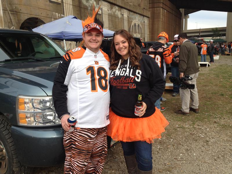 Michael Holten and Brittany Samuel enjoy an afternoon of tailgating at Longworth Hall.
