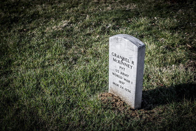 Headstone of World War I veteran placed by Paul LaRue's students.