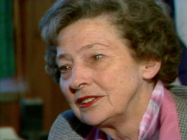 Cincinnati's first full-time female mayor dies at 97.