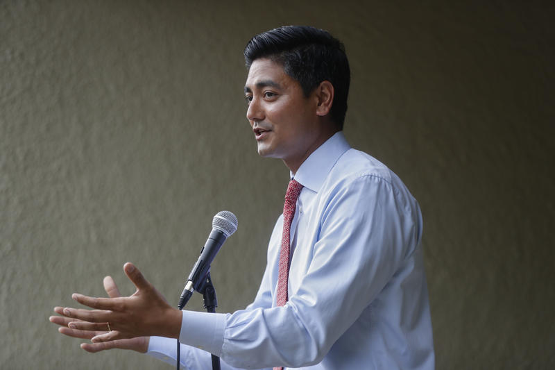 Aftab Pureval speaks with constituents at a June 15 event in Mason, Oh.