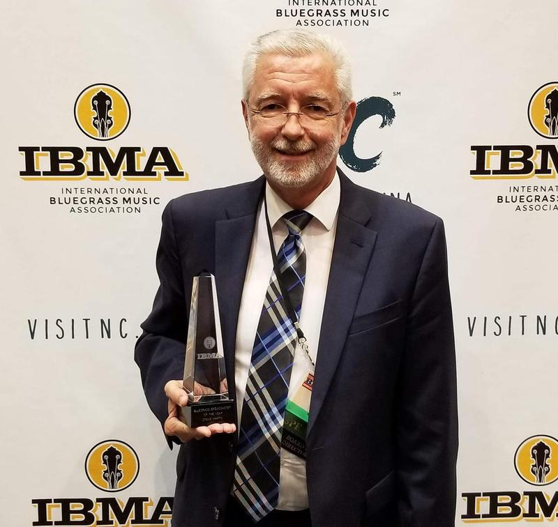 Northern Kentucky attorney Steve Martin with his Broadcaster of the Year award.