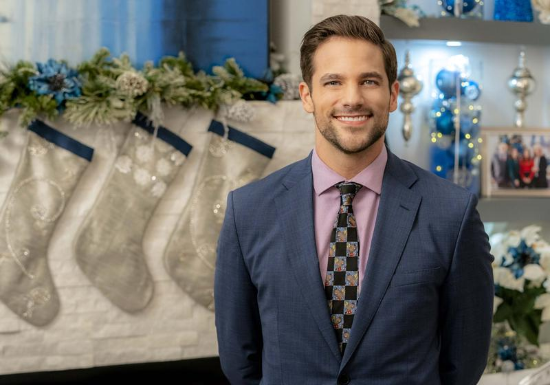"Mason native Brant Daughterty stars in Hallmark Channel's ""Mingle All The Way"" with Jen Lilley."