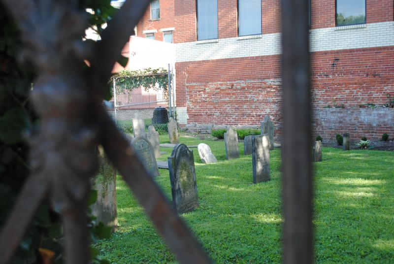 The Chestnut St Cemetery is a tiny refuge just north of busy Downtown Cincinnati.