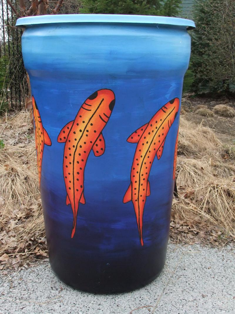 There's something fishy about this rain barrel.