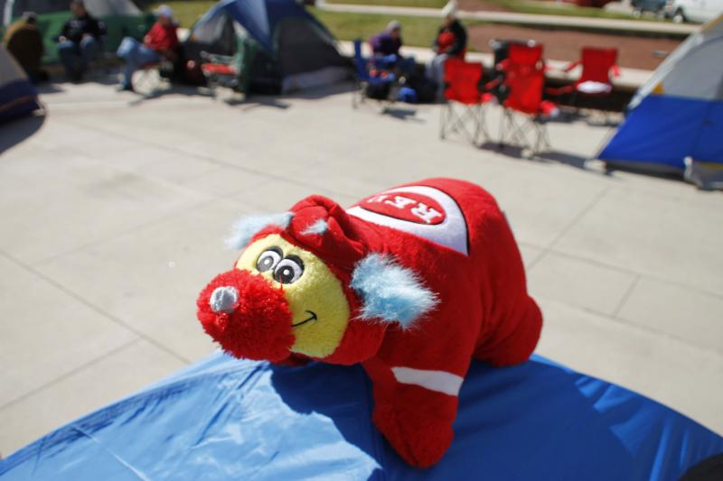 Even Gapper has to camp out for tickets.