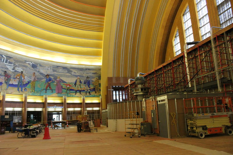 A temporary lobby (seen from behind) was constructed in the rotunda during renovations.