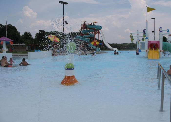 Cincinnati rec centers expanding hours teen programs wvxu for Garden hills pool hours