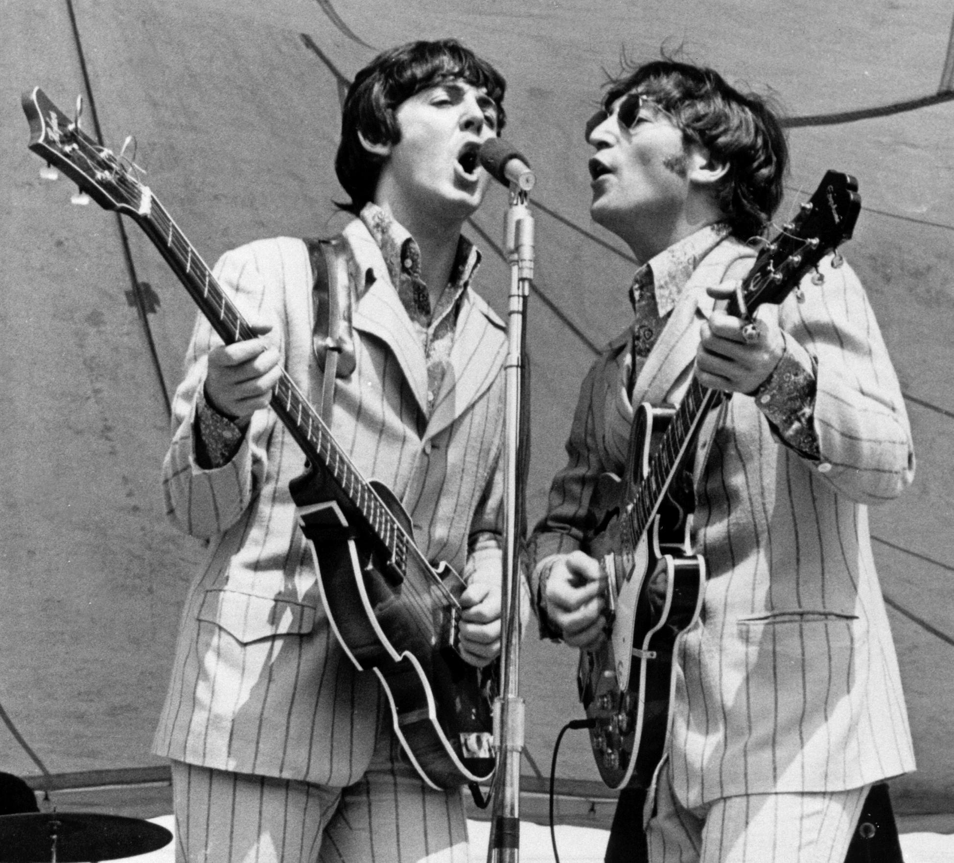 a report on the beatles the role of paul mccartney and john lennon Pop music icon john lennon was the legendary singer-songwriter who founded  the beatles  early life beatlemania the beatles break up solo career:  he  met paul mccartney in 1957 and invited mccartney to join his music group   hall of fame in 1987, and the rock and roll hall of fame in 1994.