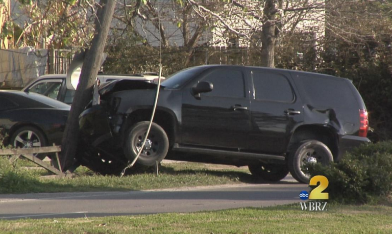 A State Police vehicle that was part of Gov. Bobby Jindal's security detail crashed into a utility pole Sunday afternoon.