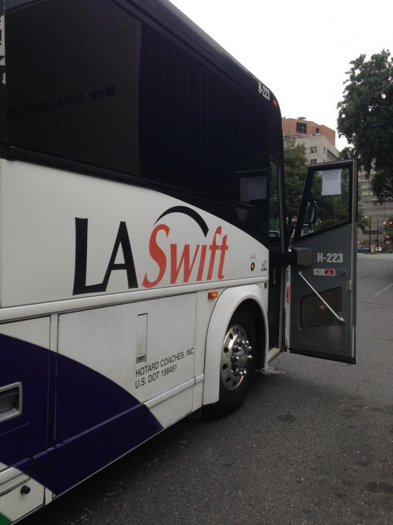 The LA Swift bus leaving New Orleans for Baton Rouge.