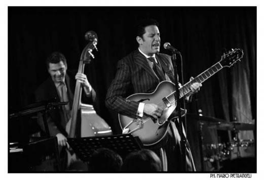 Guitarist and singer John Pizzarelli