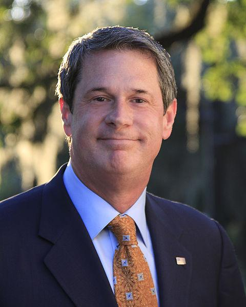 Campaign finance reform groups are questioning the operations of a super PAC formed by supporters of Senator David Vitter