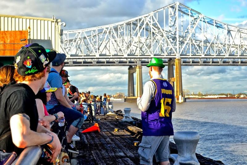 The sun came out just in time for the crowd on the Mississippi River.