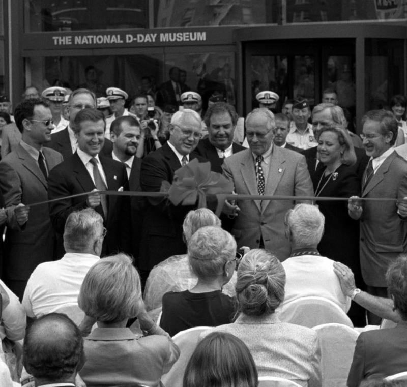 Tom Banks, Steven Spielberg, and Tom Brokaw were among the estimated 200,000 attendees at the museum's opening ceremony and parade on June 6, 2000.