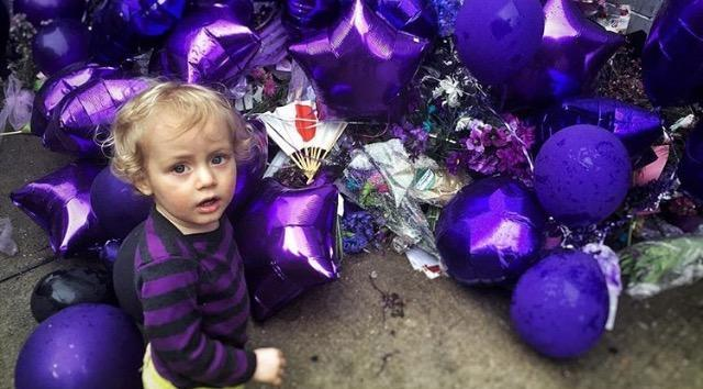 Memorial for musician Prince.
