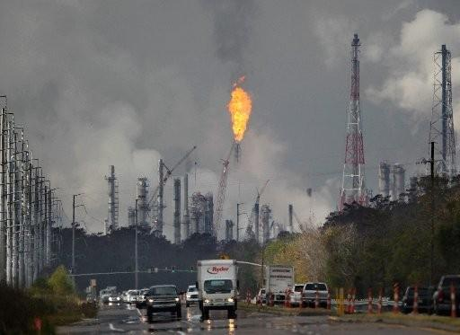 For more than 30 hours, Shell Chemical, in Norco, experienced elevated flares, shooting flames and thick black smoke into the air above St. Charles Parish.