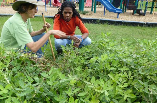 LSU AgCenter Extension Agent Grace Peterson with Shalon Lewis at the Valencia Community Center and Garden in Shreveport.