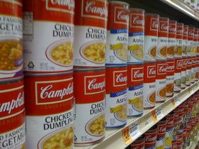 The Lakeland Food Pantry is reporting a steady need for food donations.