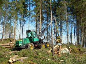 GLPTA is bringing a harvester simulator to the state capitol, to re-create the experience of cutting down a tree.